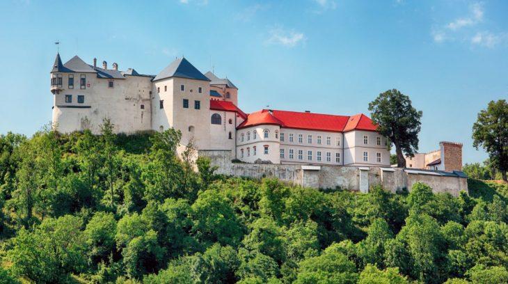 Hrad Slovenská Ľupča bol pokorený ohňom a dobyla ho láska